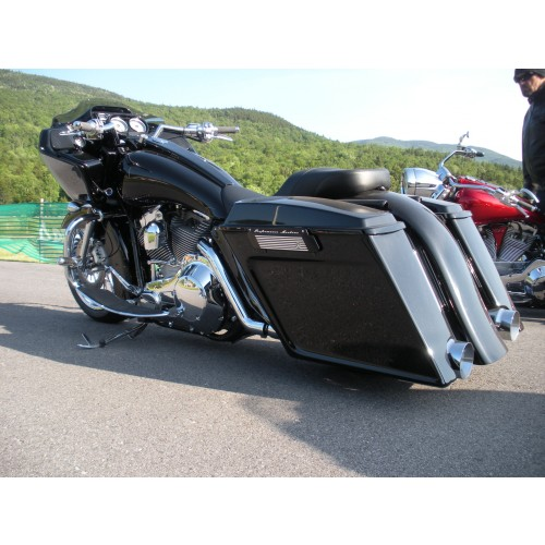 Scalloped Bags On Native Road Glide