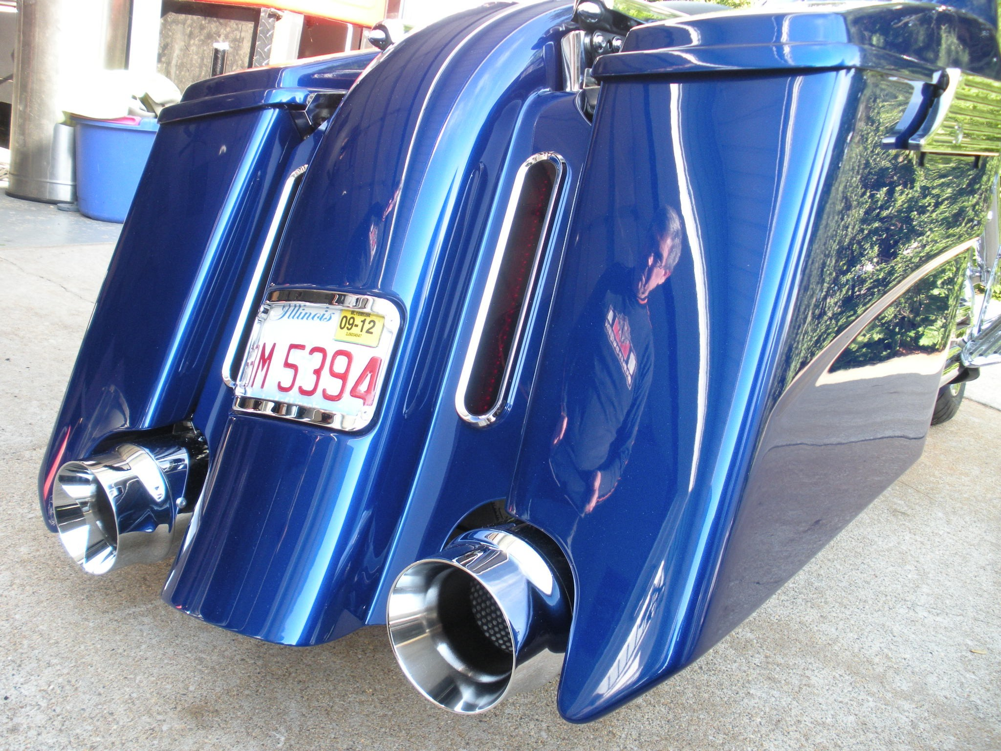 "Native 6"" stretch fender w bezel taillights and Bevel saddlebags."